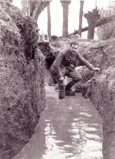 external image Waterlogged_trench.JPG